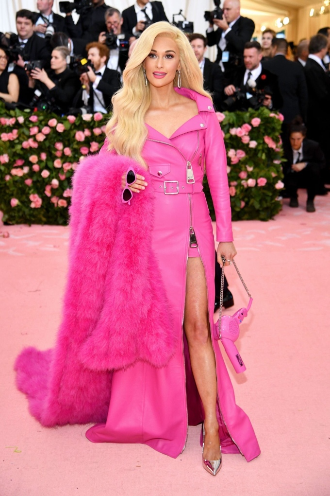 Kacey Musgraves in Jeremy Scott for Moschino - Met Ball 2019